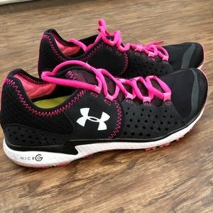 Under Armour women's sneakers. 6.5